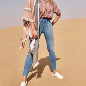 """Madewell 10"""" high-rise skinny jeans in hank wash"""